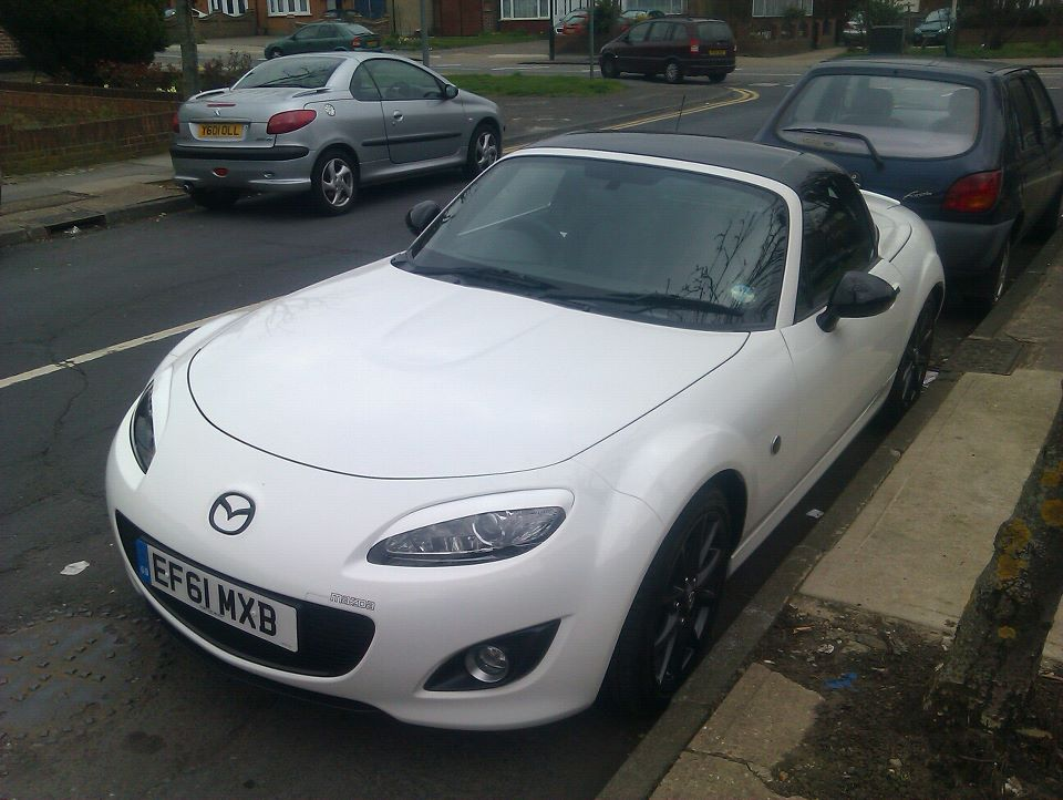 mazda mx5 mk3 5 sport black 2011 garage system mx5nutz forum. Black Bedroom Furniture Sets. Home Design Ideas